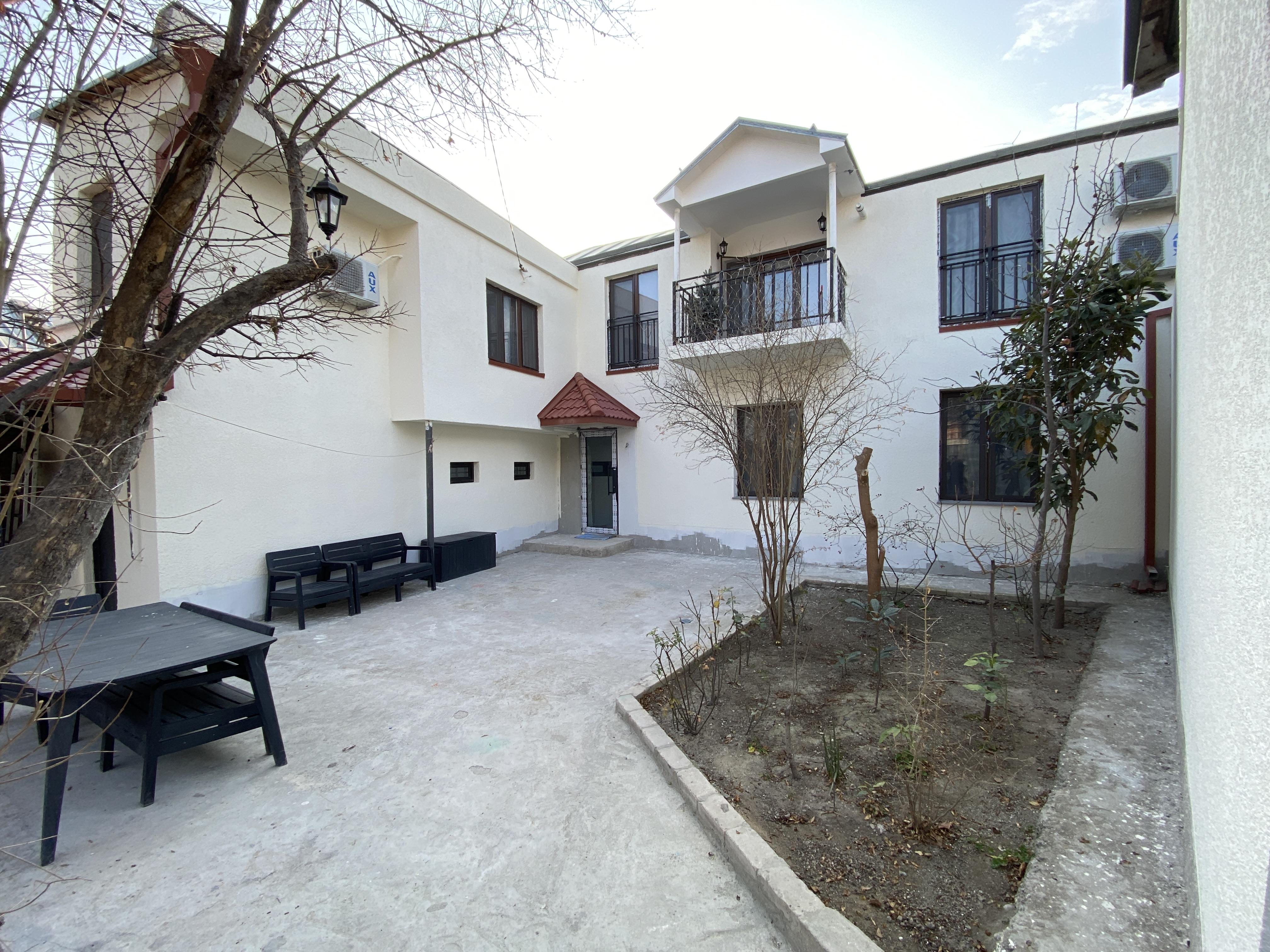 Продается Новый Построенный 4-Комнатный, 2-Этажный, Частный Дом На Исани